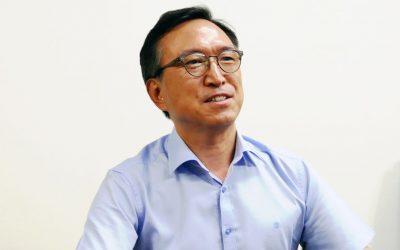 [문재인의 캠페이너 첫 인터뷰] 문 대통령, 민간인 면담 늘리고 휴식해야
