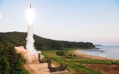 [고한석 칼럼] 일본의 집요한 안보 공격…진보가 '강군 육성' 앞장서야