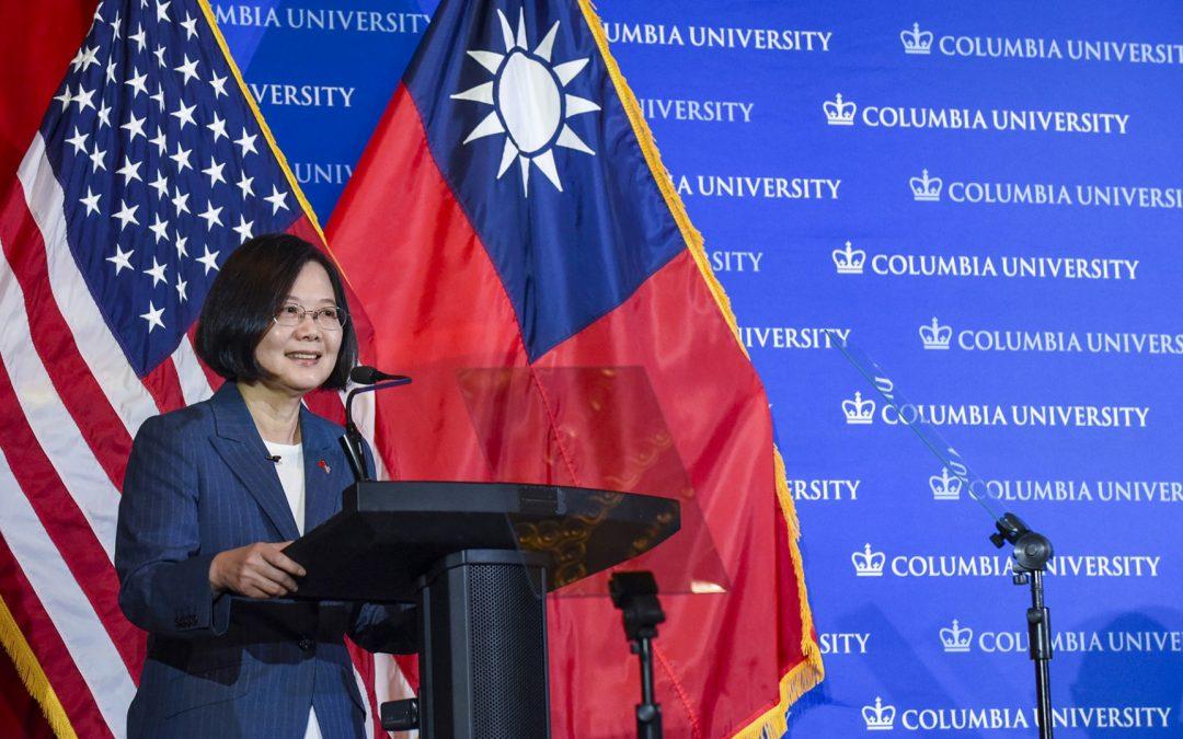 [이양수 칼럼] 홍콩 시위 파도, 대만해협 지나 동아시아 전체로